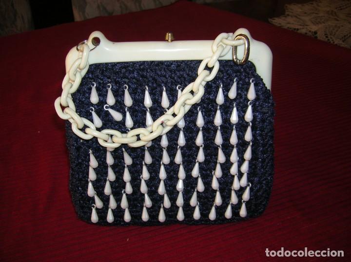 Vintage: Bolso muy Vintage años 60,tejido a ganchillo,adornos,cierre y asa de pasta.Made in Italy - Foto 2 - 165668382