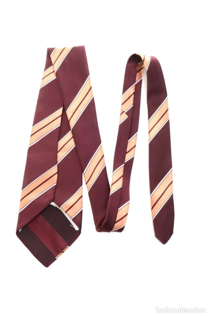 Vintage: Corbata de los años 70 morada con rayas, moda hombre, corbata 60, corbata 70, sixties - Foto 11 - 167126936