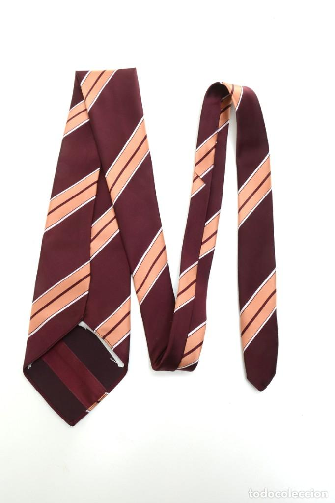Vintage: Corbata de los años 70 morada con rayas, moda hombre, corbata 60, corbata 70, sixties - Foto 12 - 167126936
