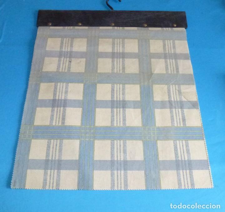 Vintage: 35 retales de tela en 4 muestrarios.50 x 45 cm. - Foto 4 - 168524072