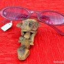 Vintage: GAFAS DE SOL VINTAGE MUJER CRISTALES MORADOS (REF. 13). Lote 168821596