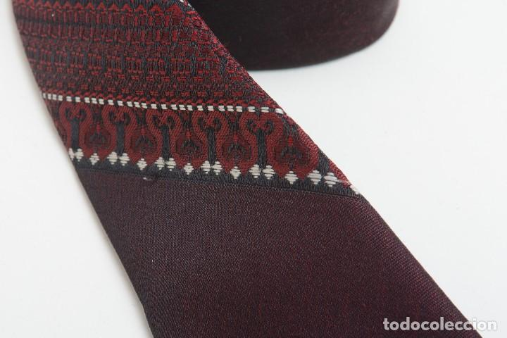 Vintage: Corbata vintage de los 60 morada con estampado abstracto - Foto 4 - 171037503