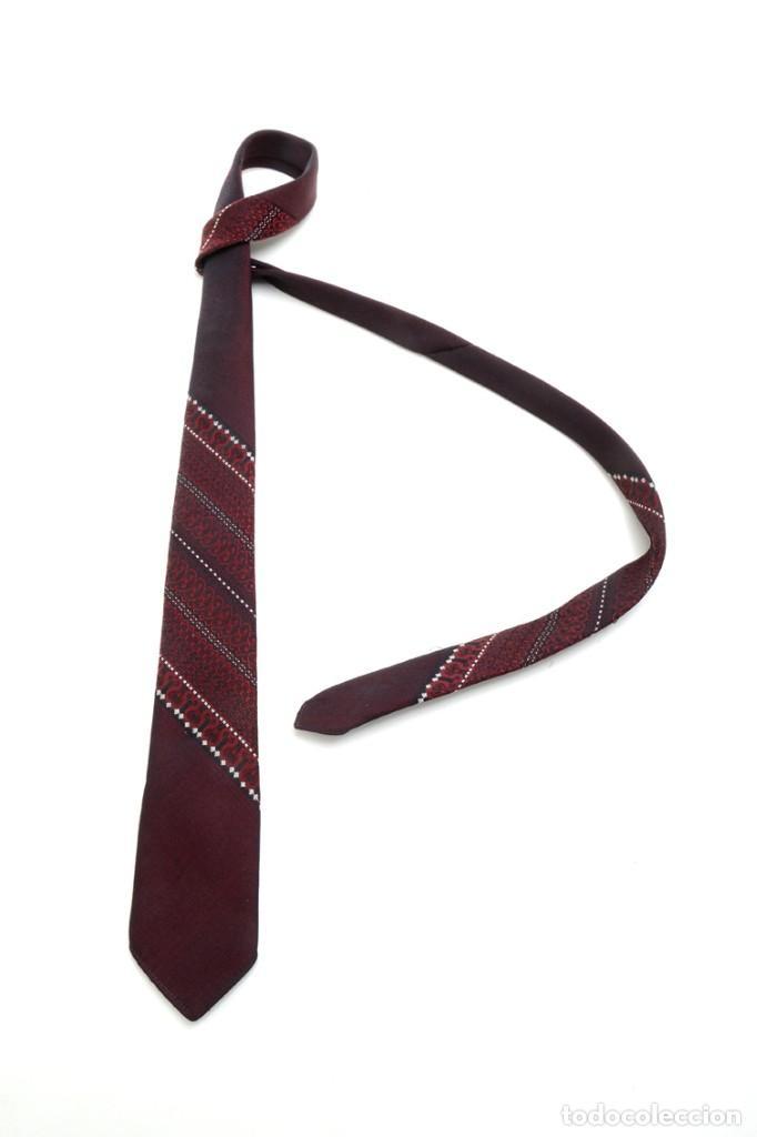 Vintage: Corbata vintage de los 60 morada con estampado abstracto - Foto 7 - 171037503