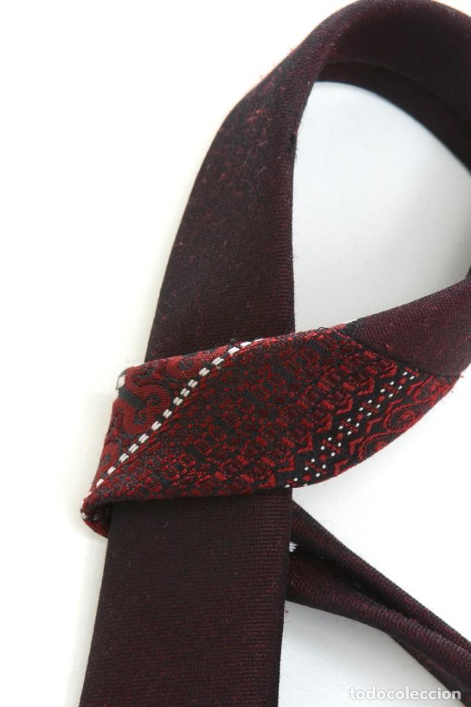 Vintage: Corbata vintage de los 60 morada con estampado abstracto - Foto 10 - 171037503