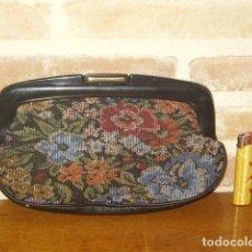 Vintage: NECESER O BOLSO DE PINTURAS,TELA TAPICERIA,AÑOS 60-70.. Lote 173824459