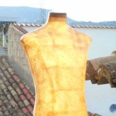 Vintage: BUSTO MANEQUIN HOMBRE DISEÑO SUPER DECO FIBRA TRANSLUCIDA IDEAL LAMPARA. Lote 175936944