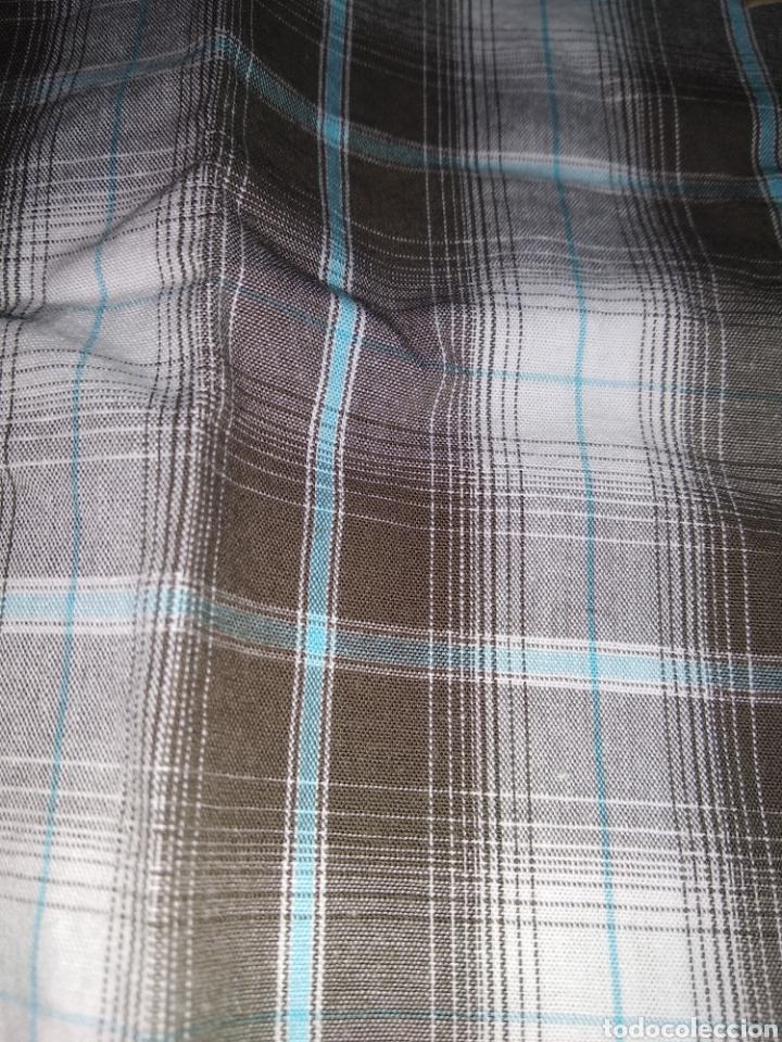Vintage: Camisa guess, sin estrenar, con la etiqueta colgada, miren el precio de esta camisa por favor - Foto 7 - 176426669