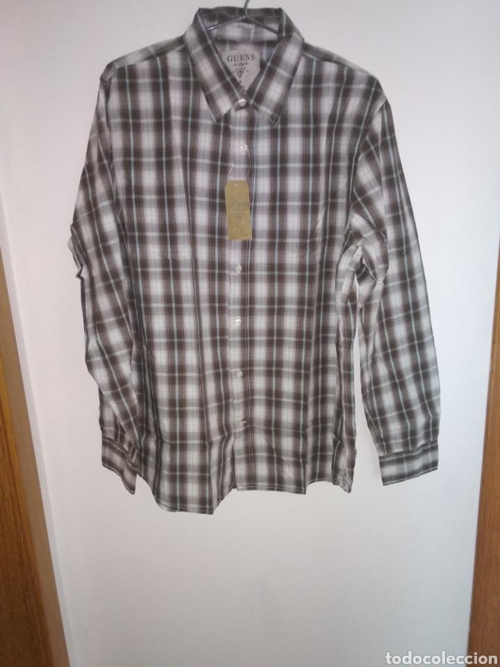 Vintage: Camisa guess, sin estrenar, con la etiqueta colgada, miren el precio de esta camisa por favor - Foto 9 - 176426669