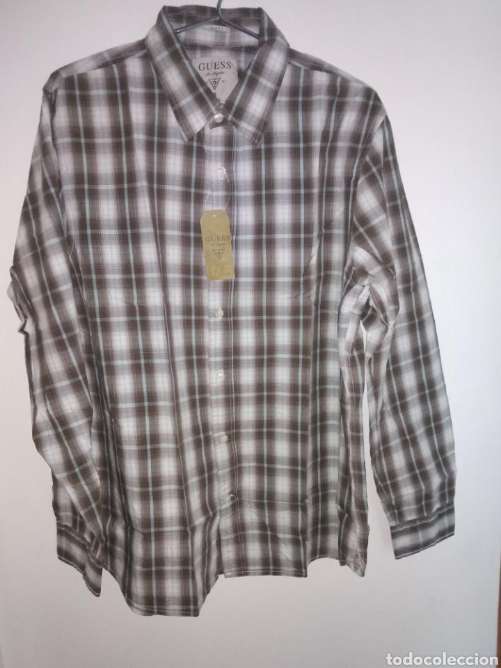 Vintage: Camisa guess, sin estrenar, con la etiqueta colgada, miren el precio de esta camisa por favor - Foto 11 - 176426669