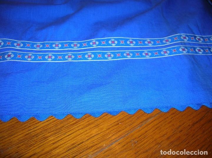 Vintage: Precioso mandil con adornos de pata de gallo y cintas.Puede ser de traje regional. - Foto 3 - 178272378