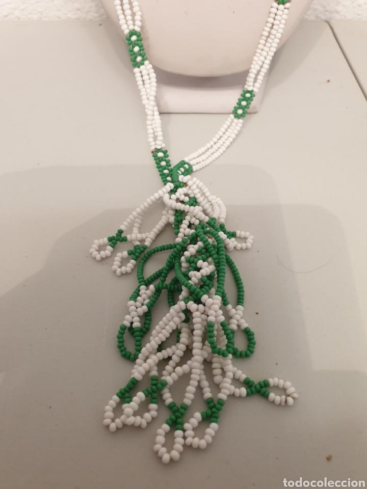 Vintage: Excelente collar vintage blanco verde con ramillete - Foto 2 - 178740568
