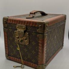 Vintage: LOUIS VUITTON. NECESER DE BAÑO. Lote 180431526