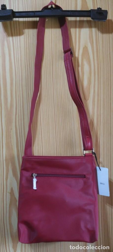 Vintage: Bolso bandolera rojo - Asa regulable - Cierre cremallera - WN - 23cm x 25cm - Por estrenar - Foto 5 - 183425645