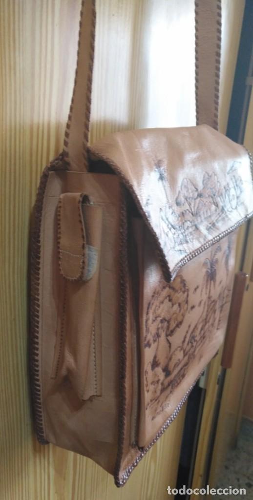 Vintage: Bolso bandolera cuero artesanal de Bolivia - Sin estrenar - Regulable - 28cm x 25cm x 8cm - Dedicado - Foto 4 - 183763920