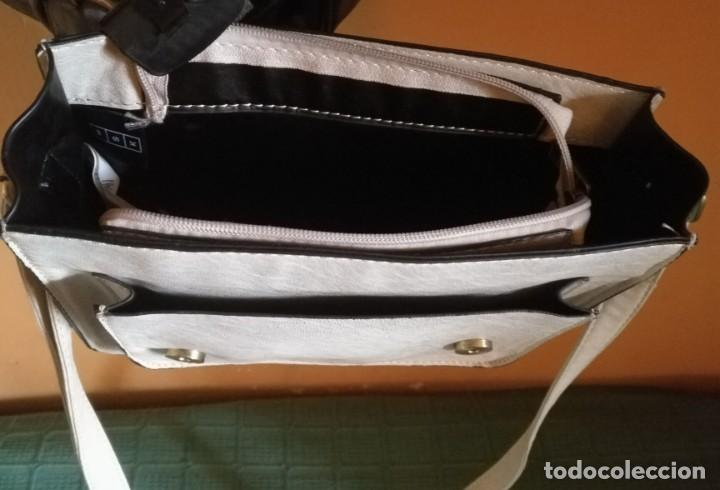 Vintage: Bolso bandolera polipiel blanco crudo / beige claro MSK - 20cm x 25cm x 8cm - Foto 5 - 183769152