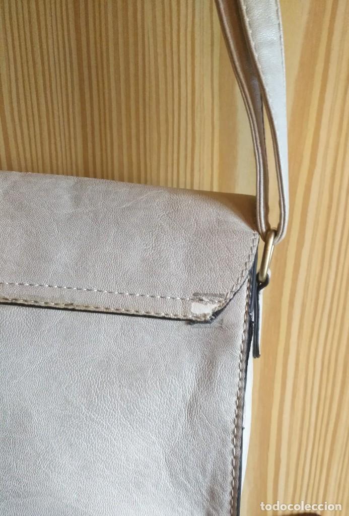 Vintage: Bolso bandolera polipiel blanco crudo / beige claro MSK - 20cm x 25cm x 8cm - Foto 7 - 183769152