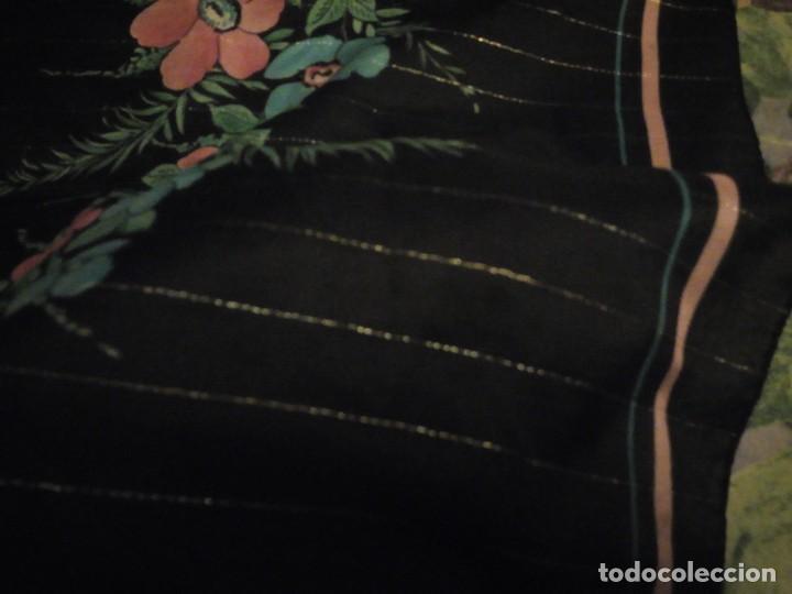Vintage: Precioso pañuelo motivo florar fondo negro con brillos. - Foto 9 - 186489982