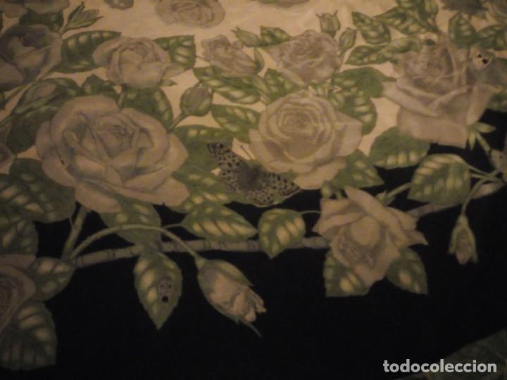 Vintage: Precioso pañuelo de seda,motivo rosas y mariposas,verde y negro - Foto 3 - 186498587