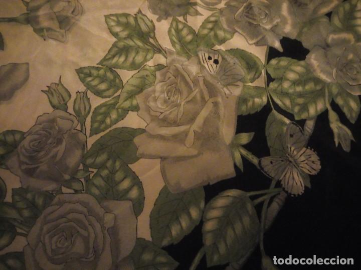 Vintage: Precioso pañuelo de seda,motivo rosas y mariposas,verde y negro - Foto 5 - 186498587