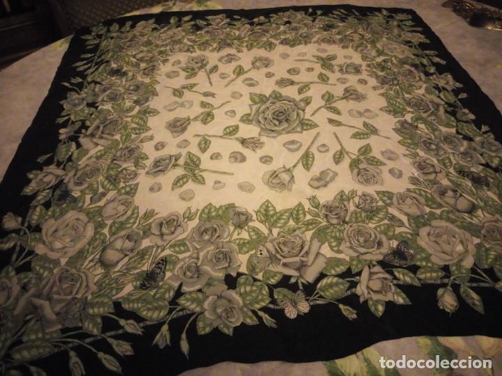 Vintage: Precioso pañuelo de seda,motivo rosas y mariposas,verde y negro - Foto 8 - 186498587