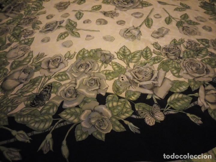 Vintage: Precioso pañuelo de seda,motivo rosas y mariposas,verde y negro - Foto 9 - 186498587