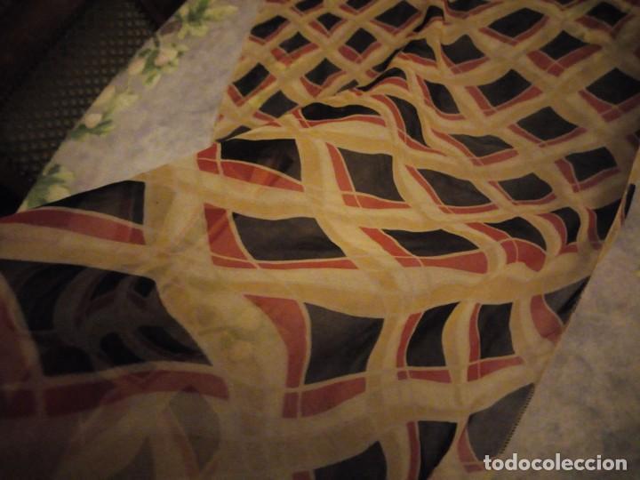 Vintage: Precioso pañuelo bufanda viscosa 100% ,estampado rombos,vintage - Foto 5 - 186509210