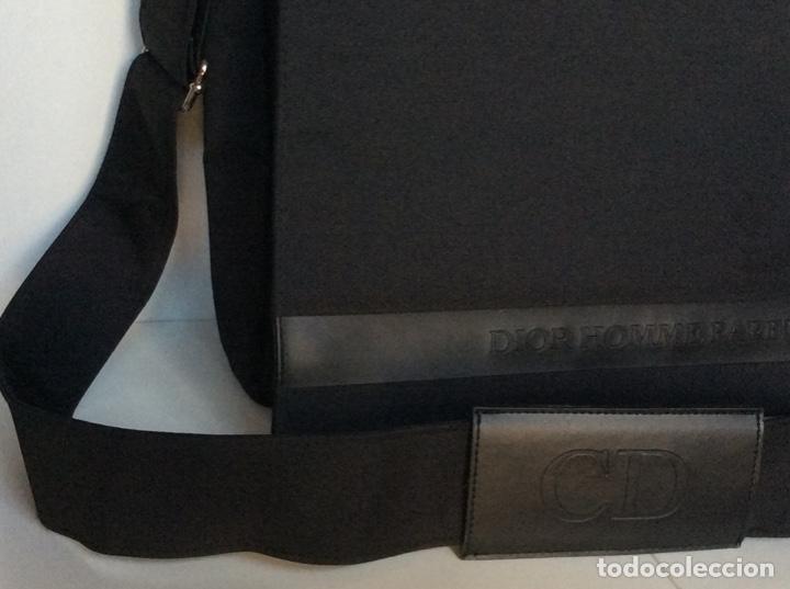 Vintage: Envío 12€. Bolso/bolsa DIOR HOMME PARFUM de lona y poli piel negra de 40x30x8cm sin usar - Foto 2 - 190345335