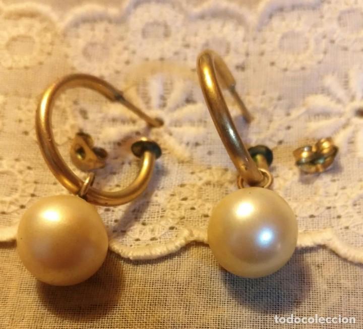 Vintage: Arc 92 Pendientes arandela oro 14 o chapado ?? con perla blanca fantasía - Cierre a presión - Foto 2 - 194111926