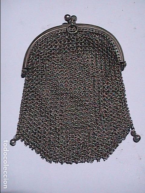 ANTIGUO MONEDERO EN PLATA DE LEY 800 CON DOS ESPACIOS PARA MONEDAS. (Vintage - Moda - Complementos)
