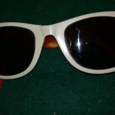 Vintage: GAFAS VINTAGE RAY-BAN, WAYFARER, MADE IN ITALY . Lote 194335337