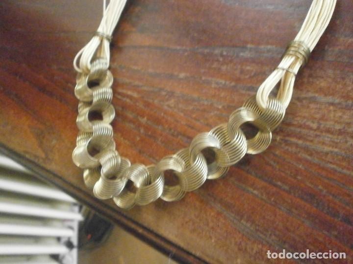 Vintage: Collar gargantilla hilo - latón - aros alambre dorado media abierto 45 cm. - Foto 2 - 194782231