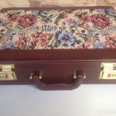 Vintage: MALETIN CON CERRADURA DE CLAVE NUEVO A ESTRENAR 45X32X10. Lote 195785411