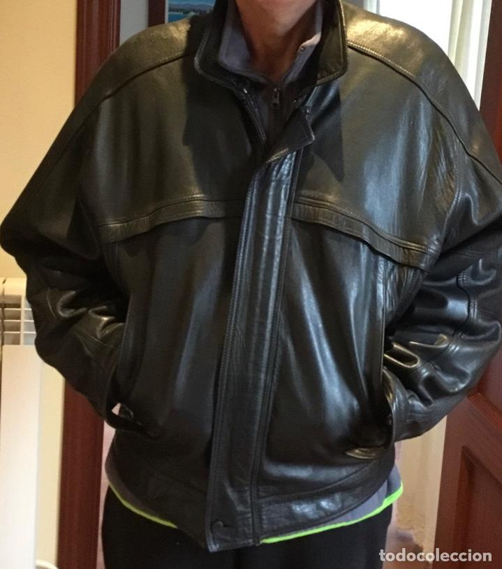 CAZADORA BURBERRYS EXCELENTE PIEL AÑOS 90 (Vintage - Moda - Hombre)