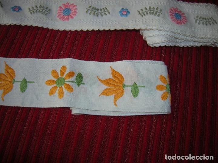 Vintage: Tres tiras bordadas muy bonitas, - Foto 2 - 198292728