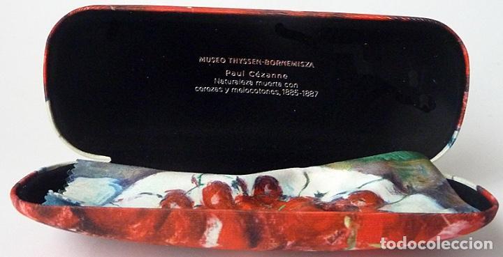 Vintage: ESTUCHE FUNDA GAFAS CÉZANNE (CEREZAS) + GAMUZA - MUSEO THYSSEN BORNEMISZA- AGOTADO EN MUSEO - NUEVO - Foto 2 - 203054325