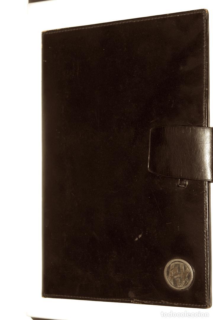 CARTERA DE PIEL CON INICIALES EN PLATA (AV) PARA PASAPORTE Y CARNET DE CONDUCIR (Vintage - Moda - Complementos)