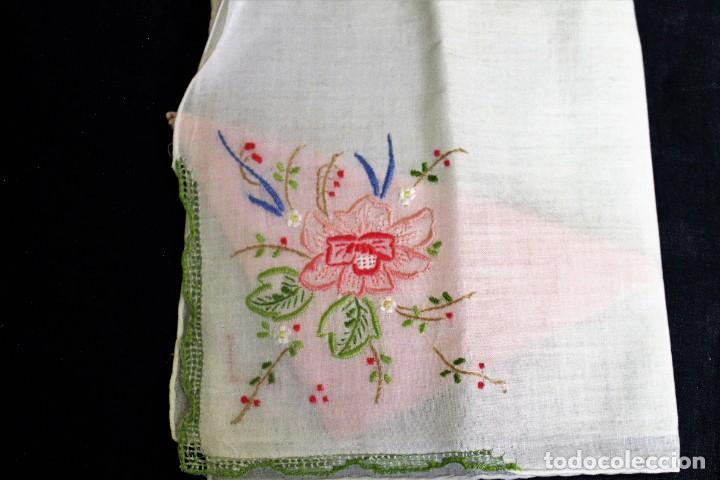 Vintage: Lote de Pañuelos de Bolsillo, bordados à mano - organza y hilo fino - Foto 2 - 205811298