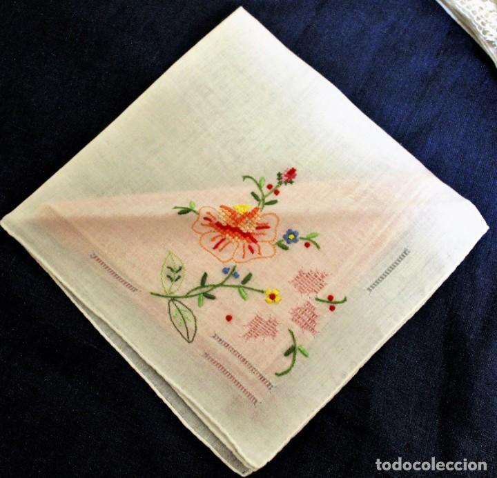 Vintage: Lote de Pañuelos de Bolsillo, bordados à mano - organza y hilo fino - Foto 7 - 205811298