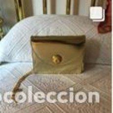 Vintage: BOLSO VINTAGE COMPLETAMENTE NUEVO A ESTRENAR DE NAPA COLOR ORO. Lote 206141302