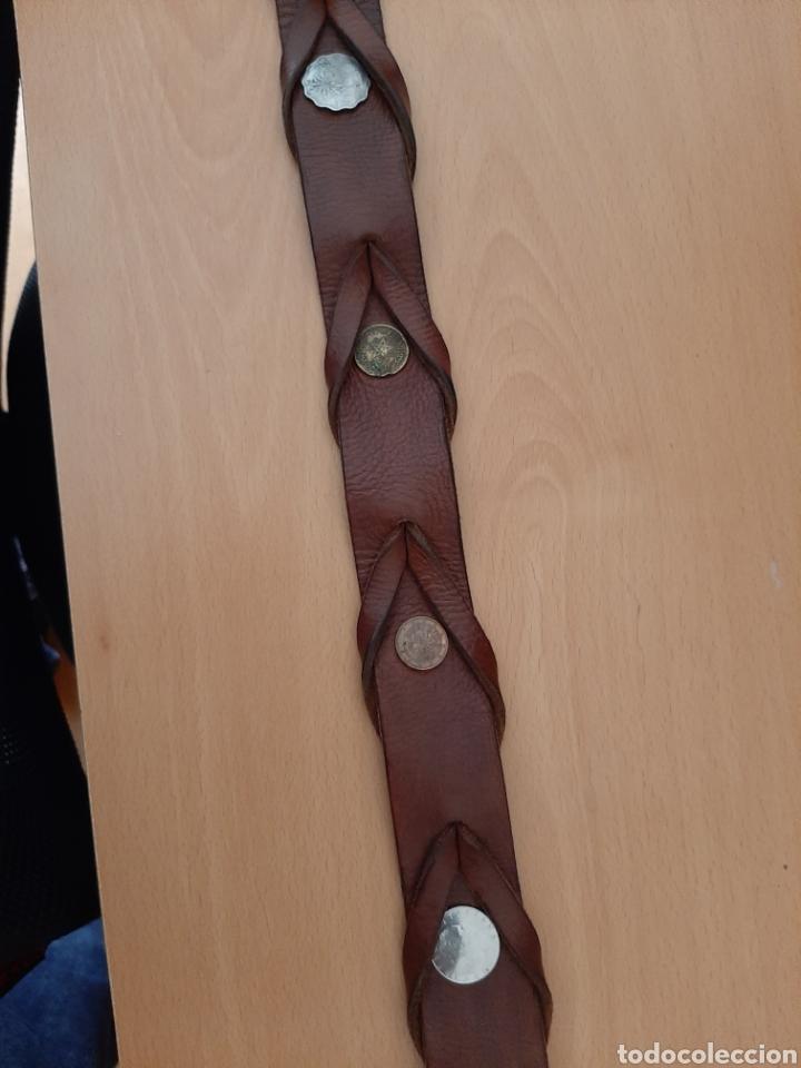 Vintage: Cinturón de cuero con monedas. 106 cm largo - Foto 3 - 206247338