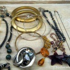 Vintage: LOTE BISUTERÍA , PULSERAS, BROCHE, CADENAS.... Lote 207136901