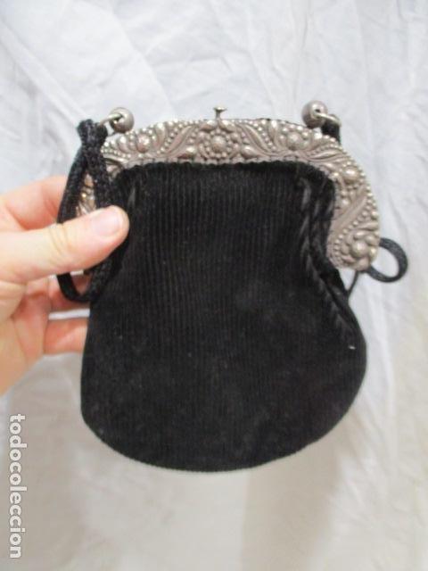 Vintage: Precioso bolso de fiesta. 19 x 15 cm - LONGITUD DE CUERDA 95 CM. - Foto 11 - 207375821
