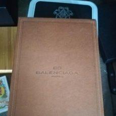 Vintage: CARTERA DE PIEL. BALENCIAGA. NUEVA CON ESTUCHE. 12X8,5 CM CERRADA. Lote 207603146