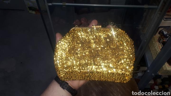 Vintage: Original bolso de mano dorado con lentejuelas años 70 made in HONG KONG - Foto 3 - 207978185