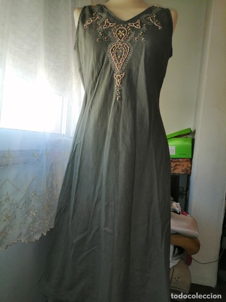 Vintage: Vestido bordado - Foto 2 - 213703010