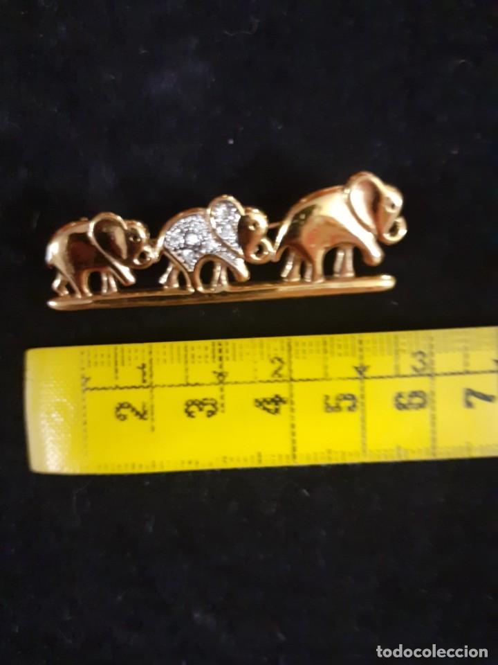 Vintage: Broche dorado de elefantes y strass - Foto 3 - 215111246