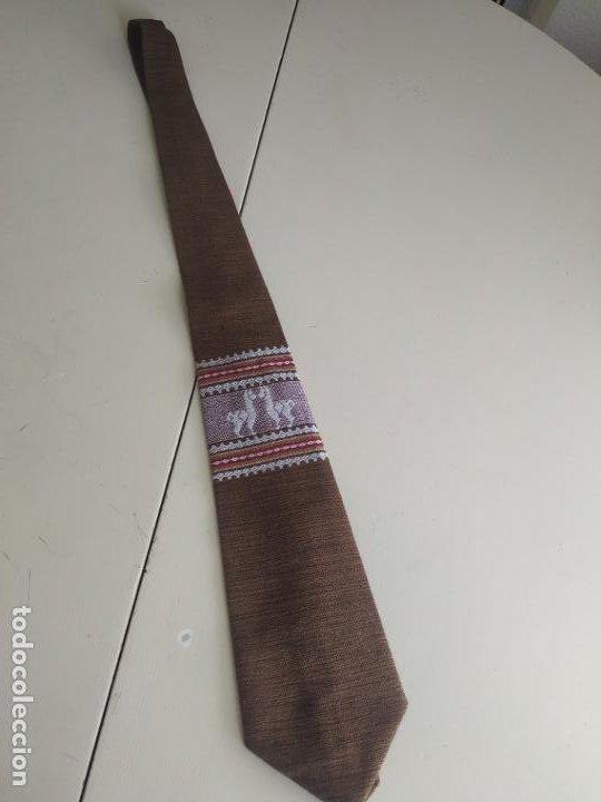 Vintage: Original corbata de llamas en tonos marrones. Ancho pala 11 cm. Nueva - Foto 2 - 216794292