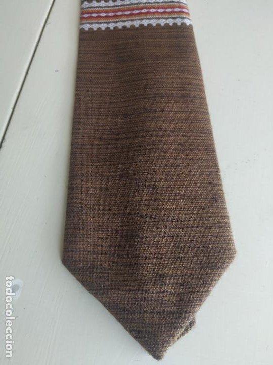 Vintage: Original corbata de llamas en tonos marrones. Ancho pala 11 cm. Nueva - Foto 4 - 216794292