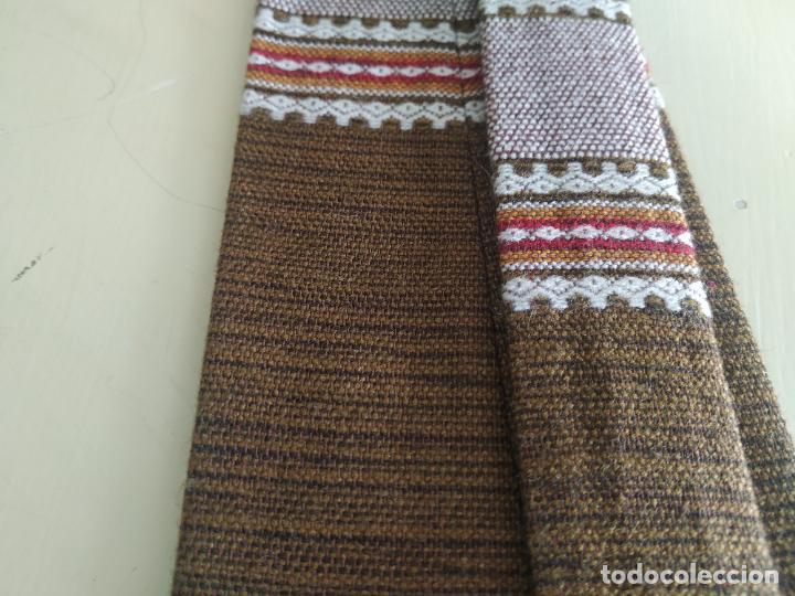 Vintage: Original corbata de llamas en tonos marrones. Ancho pala 11 cm. Nueva - Foto 5 - 216794292