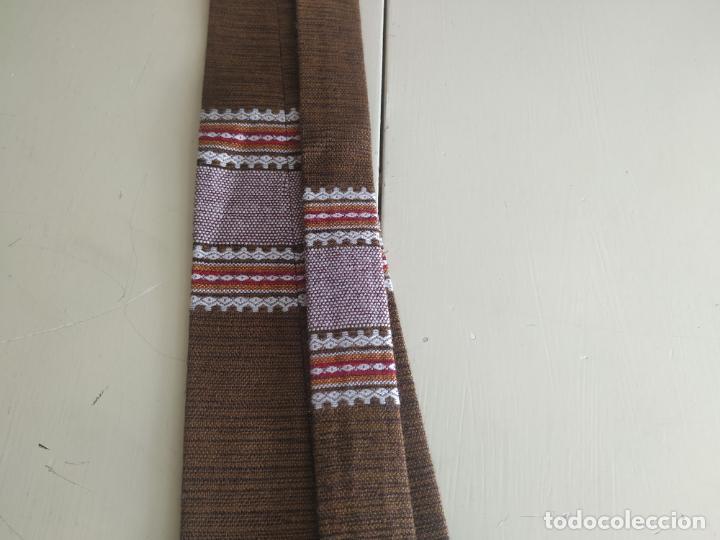 Vintage: Original corbata de llamas en tonos marrones. Ancho pala 11 cm. Nueva - Foto 6 - 216794292